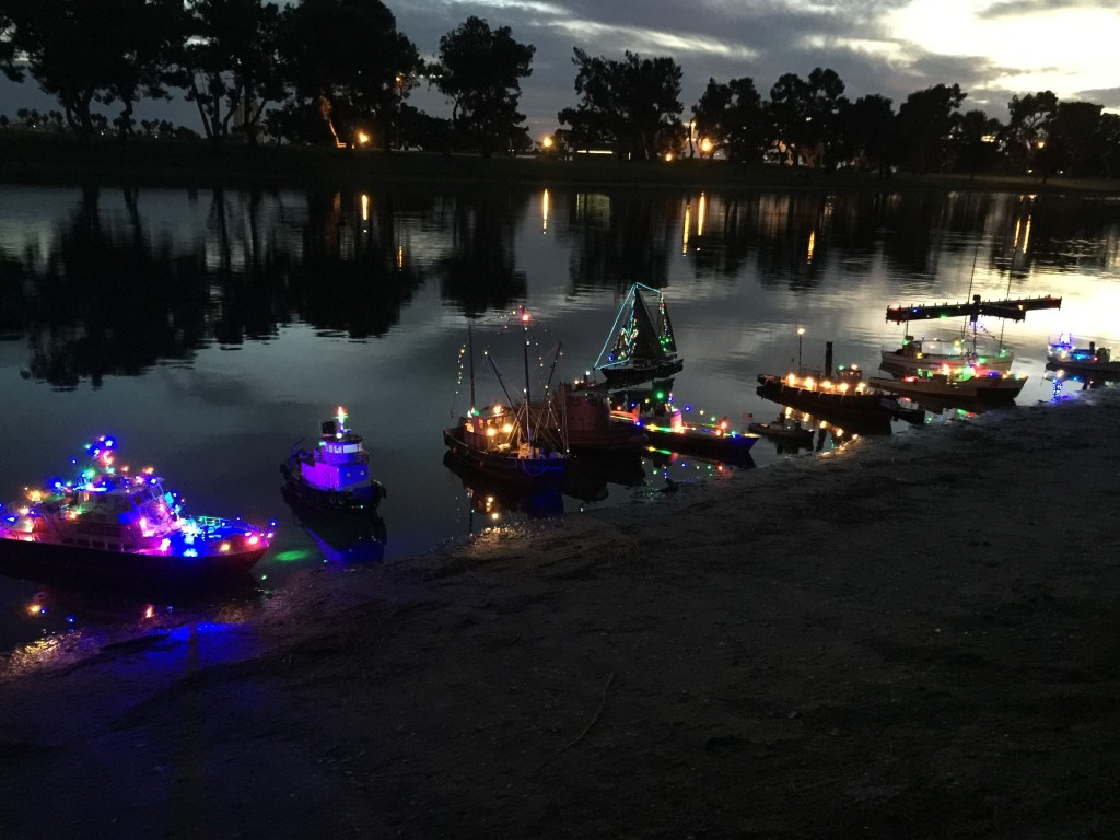 mini Parade of Lights at San Diego Model Boat Pond (8)